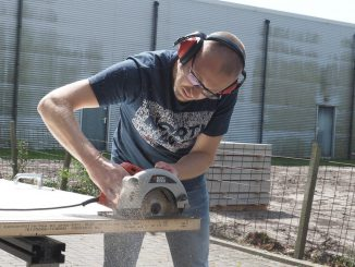 Man Jobs Saw Circular Saw Work