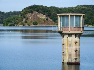 Dam Reservoir Water Withdrawal Tower  - Didgeman / Pixabay