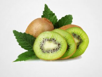 Fruit Kiwi Food Eating Fresh  - SixpathofDewa / Pixabay