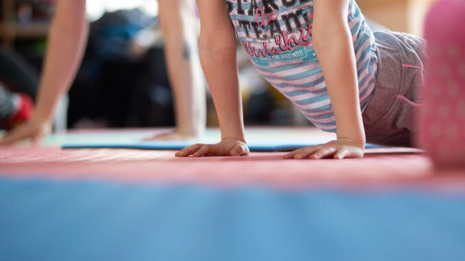 Sports Hands Kids Baby Fitness  - evgeniya_kets_photo / Pixabay