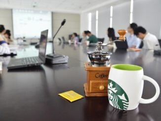Office Coffee Starbucks Cup  - acan2016 / Pixabay