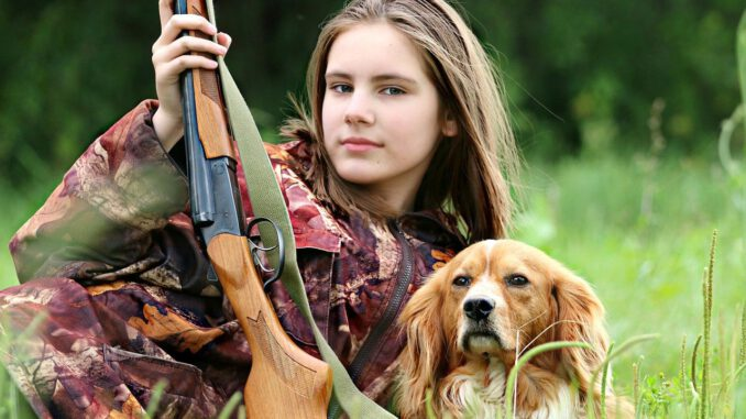 Hunter Girl Dog Hunting Rifle Gun  - klimkin / Pixabay