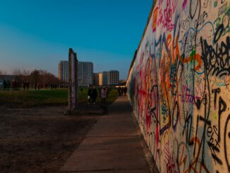 Berlin Berliner Mauer Wall Germany  - _daskameraauge_ / Pixabay