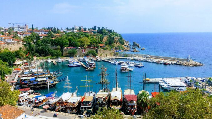 Antalya Castle Date Turkey Yacht  - optisyen / Pixabay