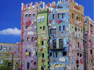 Architecture Colorful Facade Houses  - HansLinde / Pixabay
