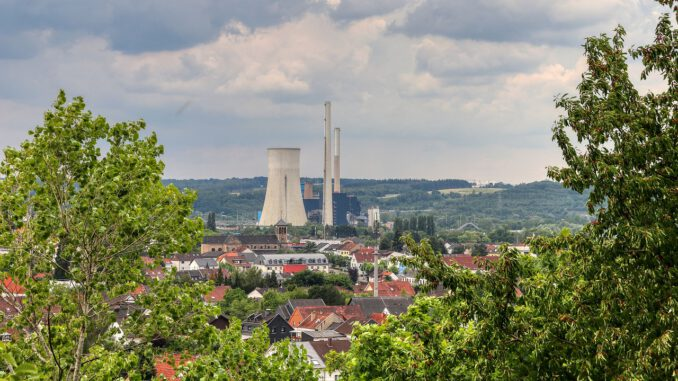 Power Plant Coal Fired Power Station  - planet_fox / Pixabay